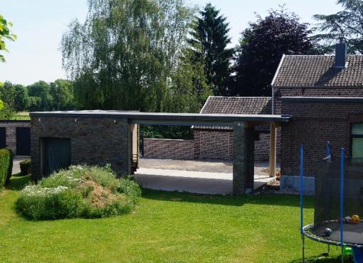 Création d'un garage avec abri de jardin